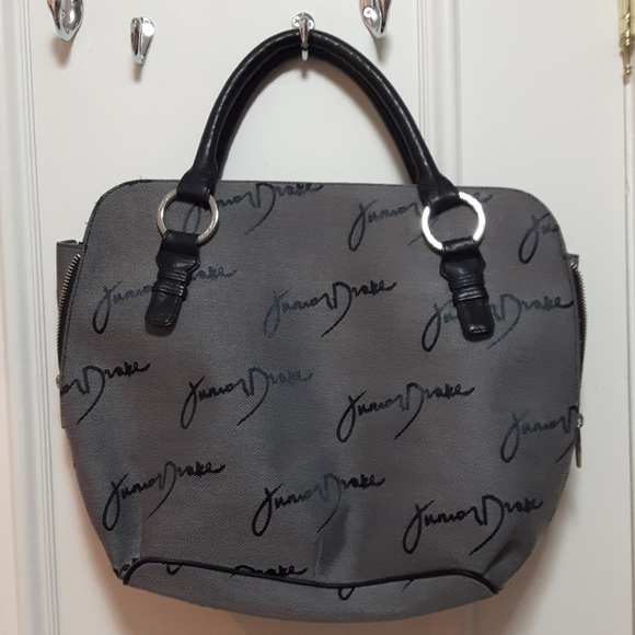 2 for 50! 🛍️ Grey signature junior drake handbag